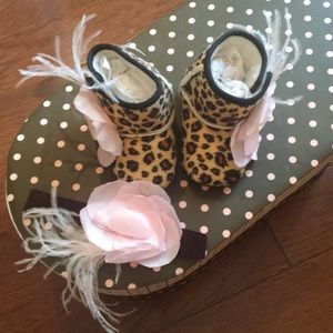 Other - Infant Leopard booties with matching headband